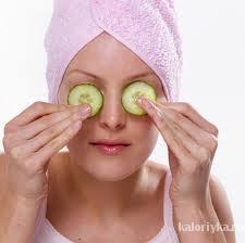 Витамин Е. Самый главный антиоксидант, витамин женской красоты. Содержится в орехах, растительном масле, семенах. Солнечный свет сокращает содержание витамина Е в коже, и поэтому чем больше вы будете его получать из еды, а не из аптечных добавок, тем лучше.