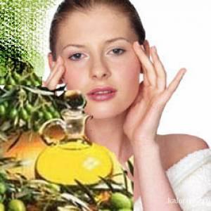 Для разных типов кожи лица оливковое масло применяется в качестве масок, компрессов в тандеме с другими полезными веществами. Оно настолько универсально, что подходит для всех типов кожи.