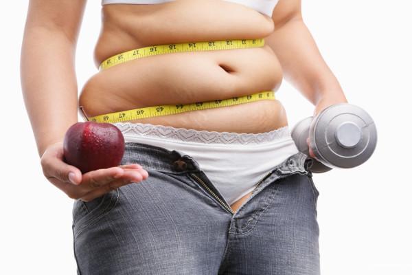 1. Вы находитесь под большим напряжением: в периоды высокой эмоциональной нагрузки вырабатывается в больших количествах гормон NPY. Он способствует увеличению жира, особенно на животе. Совет один – нет стрессам во время похудения!