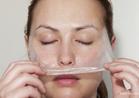 Известно ли вам, что именно желатин, благодаря своему стягивающему эффекту, салоны красоты используют в «механических» масках для подтягивание щек и второго подбородка.