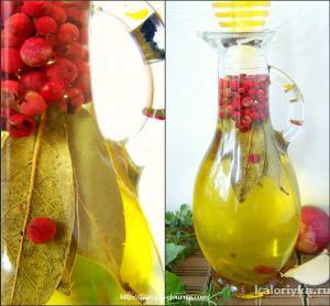 Третье:  Корочки лимона, один-два сухих стручка красного чили, веточки сухого тимьяна.