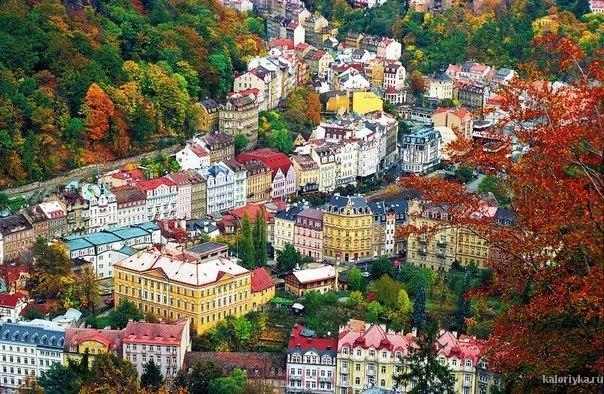 а вот мне тоже хочется, чтоб дома разноцветными были - красиво,как в сказке)